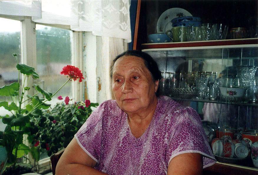 Русская мать любит нагибаться